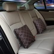 WRC 多功能汽车空调被 抱枕被子 腰枕靠垫 耐磨 柔软棉芯 咖啡色简约方格