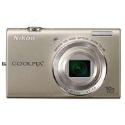 尼康 S6200 数码相机 银色(1600万像素 2.7英寸液晶屏 10倍光学变焦 25mm广角)