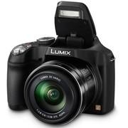 松下 DMC-FZ70GK-K 数码相机 黑色 (1610万像素 60倍光变 20mm广角 200MB内置内存)