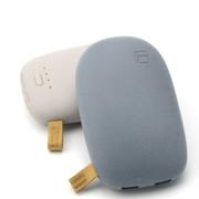 风彩 鹅卵石款双USB接口手机平板通用充电宝 足量10000毫安移动电源 浅灰