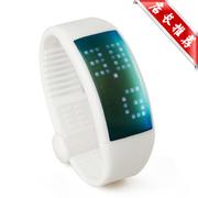 现代演绎 W4 智能传递 3D计步器 卡路里检测 智能手表 U盘智能 学生运动手环 白色 8G标配+送500毫安充电器