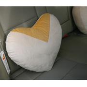 品尚车居 心型舒适抱枕 汽车抱枕 沙发抱枕 座椅抱枕 家居抱枕 单个装 简爱
