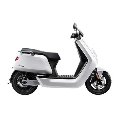 小牛 电动N1 智能电动踏板车 白 动力版产品图片1